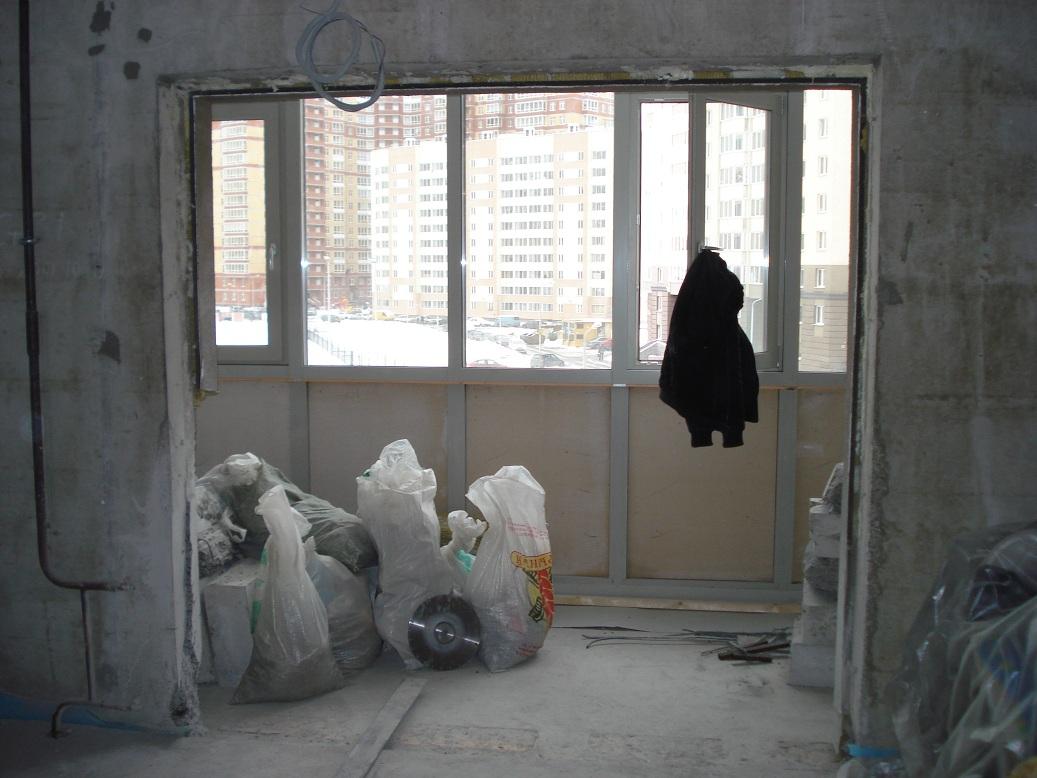 Объединение балкона или лоджии с комнатой или кухней.